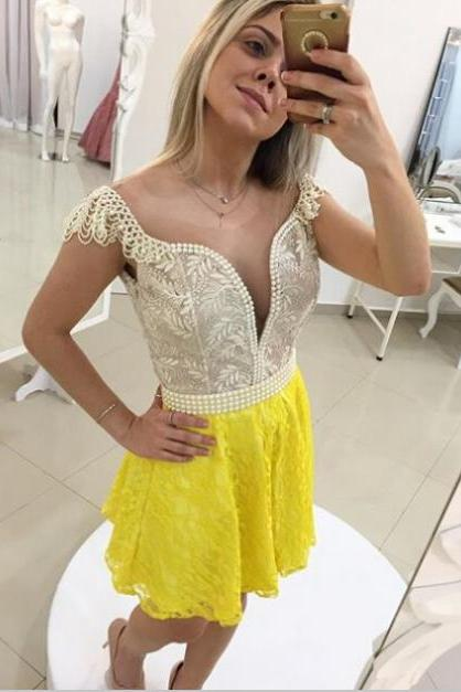 2017 A-line Homecoming Dresses Cap Sleeves V-Neck Short/Mini Pearls Sale Backless Dresses
